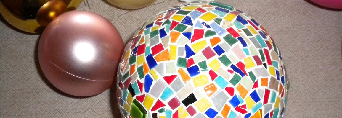 polystyrène multicolores